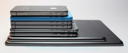 cellphone-close-up-electronics-341523